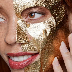 Sweet 16 MASK-querade Gold Confetti Hydrating Sheet Mask Set
