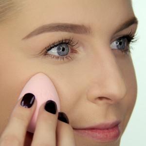 Shake & Bake Powder-to-Cream Under Eye Concealer