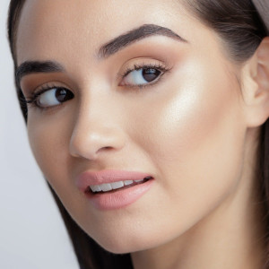 Mineral Glow Illuminating Bronzer Skin Perfecting Powder